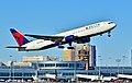 N128DL Delta Air Lines 1988 Boeing 767-332 C-N 24078 (6536167599) (2).jpg