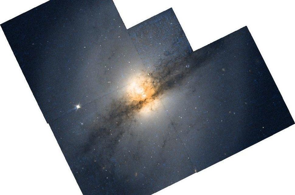NGC 3718 HST
