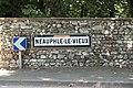 Neauphle-le-Vieux Plaque Michelin 767.jpg