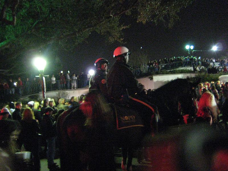 File:New Year's Eve 2007, NOPD on Horses.jpg