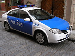 Nissan Primera police car in Tallinn, Estonia 2006-08.jpg