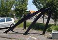 Noordwijk kunstwerk Balken van Staal verwrongen door vuur.jpg