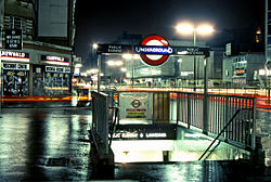 Notting Hill Gate Subway Entrance-1983.jpg
