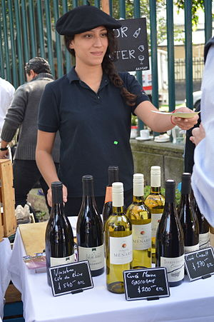 Mexican wine - Wine vendor at a market for artisanal foods in the Parque Lincoln of Polanco, Mexico City.