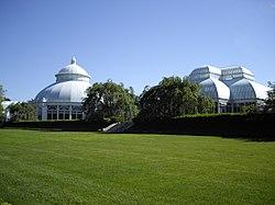 Superbe Ny Botanical Haupt Conservatory.JPG