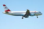 OE-LBQ A320 Austrian (14809393115).jpg