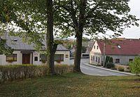 Olší (okres Brno-venkov) - pohled od kostela.jpg