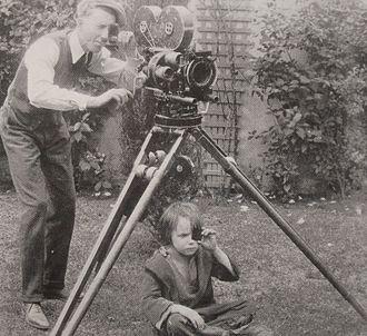 Glen MacWilliams - Glen MacWilliams (left) and Jackie Coogan, 1922