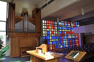 Daniel Kern Manufacture d'Orgues - Image: Orgue Kern et vitraux de la chapelle St Marc