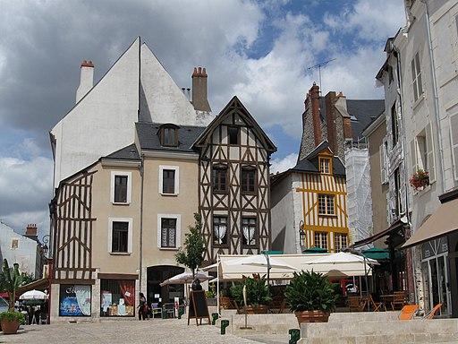 Orleans place du Chatelet 1