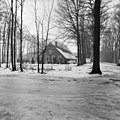Overzicht van de boerderij met rieten dak - Baarn - 20027201 - RCE.jpg