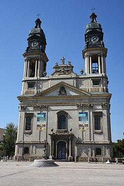 Pápai Szent István vértanú templom Saint Stephen parish-church in Pápa 01.jpg