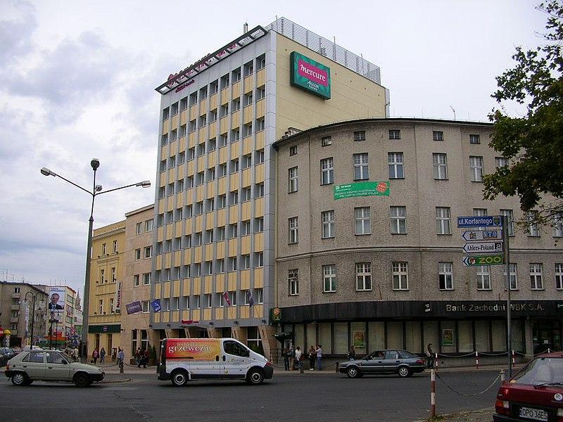 File:PL Opole Hotel.JPG