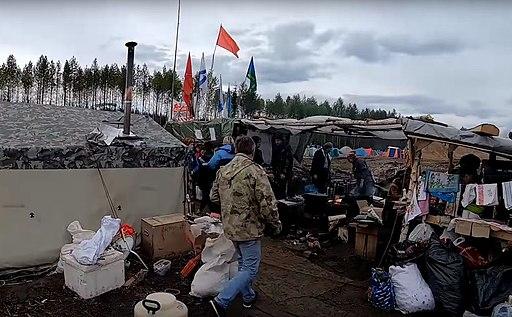 Palatochnyj-lager-musornyj-protest-na stancii-shies