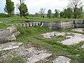 Palatul Cantacuzino Florești - ruine ale unor clădiri.jpg
