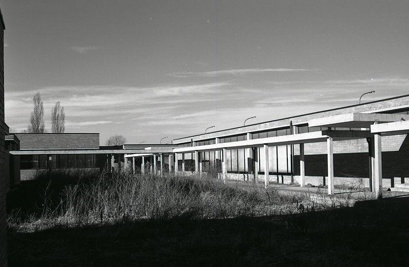 File paolo monti servizio fotografico milano 1974 for Materiale fotografico milano