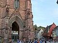 Papstbesuch.Freiburg.Münsterplatz.weit.jpg