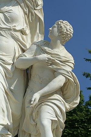 Melicertes - Image: Parc de Versailles, demi lune du bassin d'Apollon, Ino et Melicerte, Pierre Granier 02