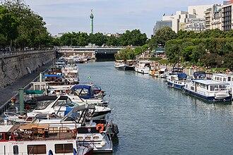 Bassin de l'Arsenal - Port de l'Arsenal, Colonne de Juillet and Opera Bastille