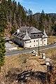 Paternion Kreuzen 32 Schloss mit Kreuzweg-Stationen SW-Ansicht 06042018 2885.jpg