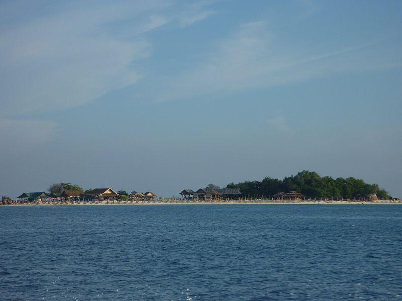 File:Phi Phi Island Tour (4296487895).jpg