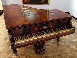 "Sébastien Érard - Andrés Bello's Érard piano in ""Museo del Carmen de Maipú"", Chile"