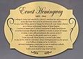 Plaque Ernest Hemingway 10 rue Delambre.jpg