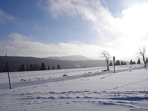 Plešivec (Ore Mountains) - Blick zum Pleßberg von Hřebečná