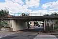Pont ferroviaire rue Cluseret Suresnes.jpg