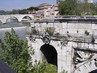 Ponte Rotto with Pons Cestius.jpg