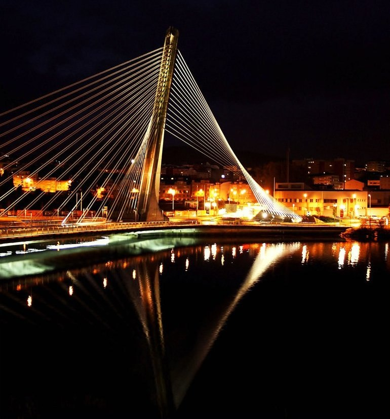 Ponte dos Tirantes, río Lérez, Pontevedra, Galicia, España