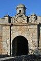 Porta das Muralhas da Praça de Almeida.jpg