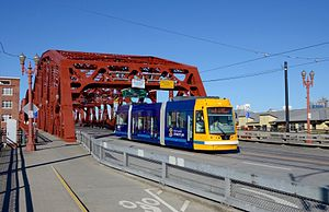 Loop Service (Portland Streetcar) - B-Loop streetcar crossing the Broadway Bridge in 2016