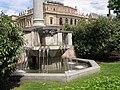 Praha, Staré Město, Mánesův most, fontána 01.jpg