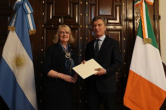 Irish Argentine - President Mauricio Macri and Irish Ambassador in Argentina, Jacqueline O'hallaran.