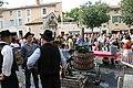 Pressurage de la vendange à la fête du vin à Pernes-les-Fontaines.jpg