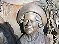 Queen Mother-part of the Queen Mother monument, The Mall, London - geograph.org.uk - 2756382.jpg