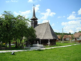 RO MM Valenii Somcutei church exterior 12.jpg