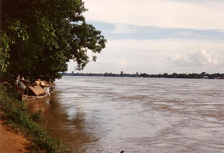 River Chindwin at Monywa R Chindwin.JPG