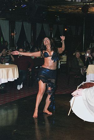 Raqs sharqi - Egyptian dancer Randa Kamel