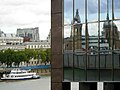 Reflections in 1 London Bridge - geograph.org.uk - 250823.jpg