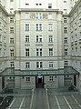 Regierungsgebäude courtyard.JPG