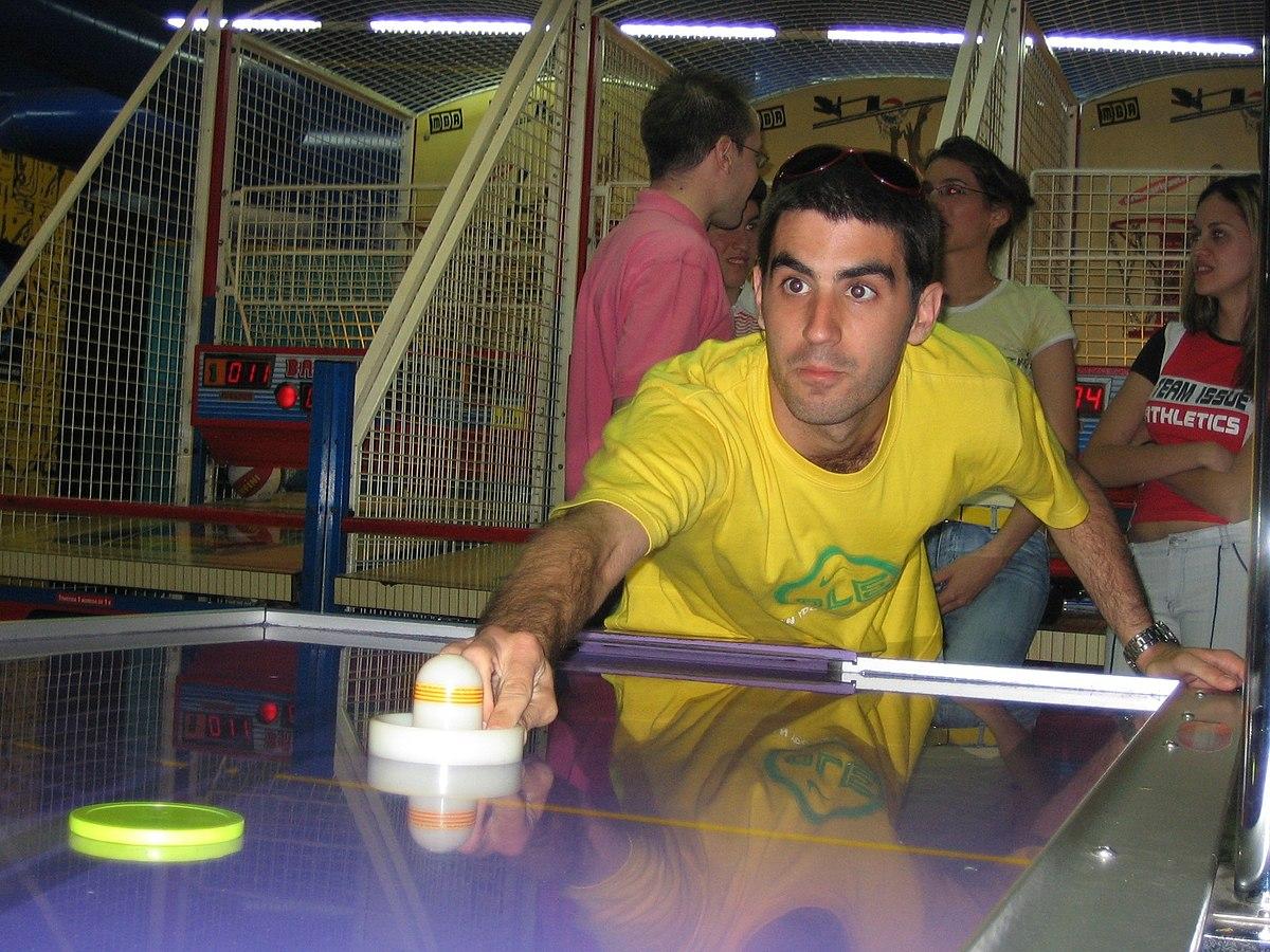 Hockey de aire wikipedia la enciclopedia libre - Mesa de hockey de aire ...