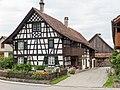 Riegelhaus des 18. Jahrhunderts- Geigenhofstr. 13 in Hüttlingen.jpg