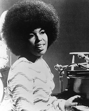 The Closer I Get to You - One of the singers Roberta Flack in 1971