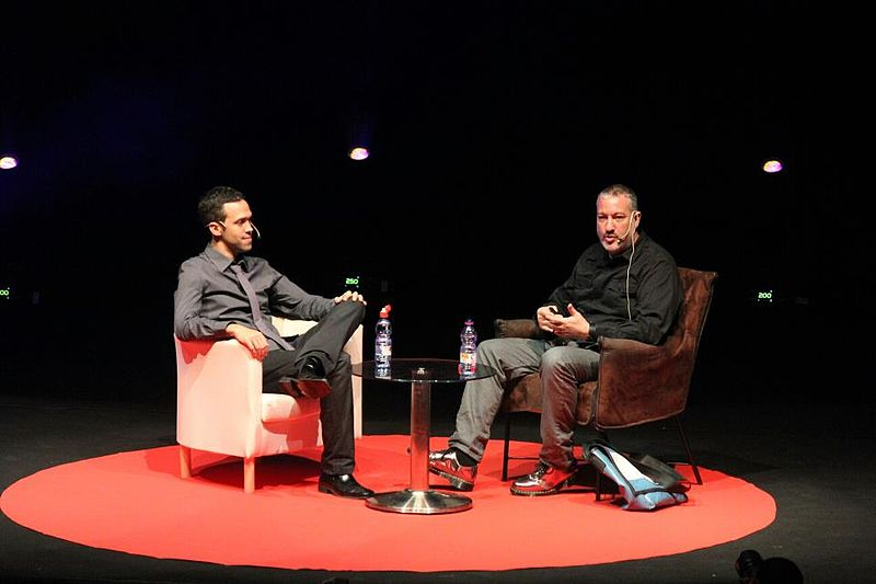File:Roie Galitz with Spencer Tunick 2012.jpg