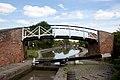 Roving Bridge over Oxford Canal (5991100802).jpg