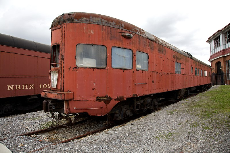 File:Rusty Observation Car (10970762133).jpg