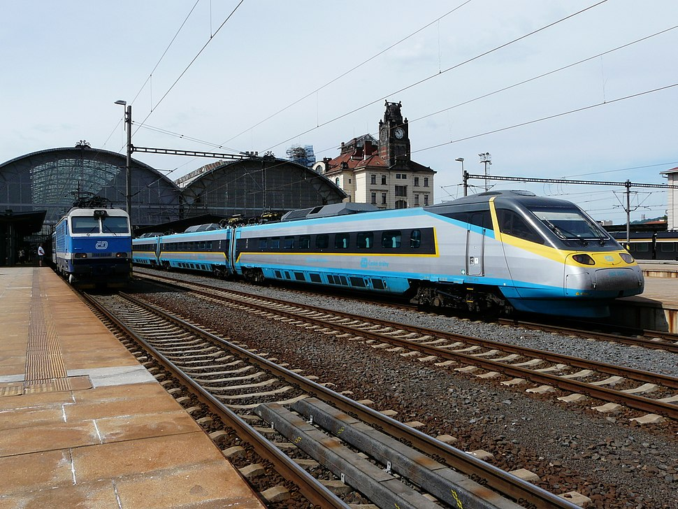 Rychlík und Supercity in Praha hlavní nádraží