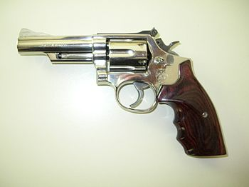 English: Smith & Wesson Model 19-5 .357 Magnum...